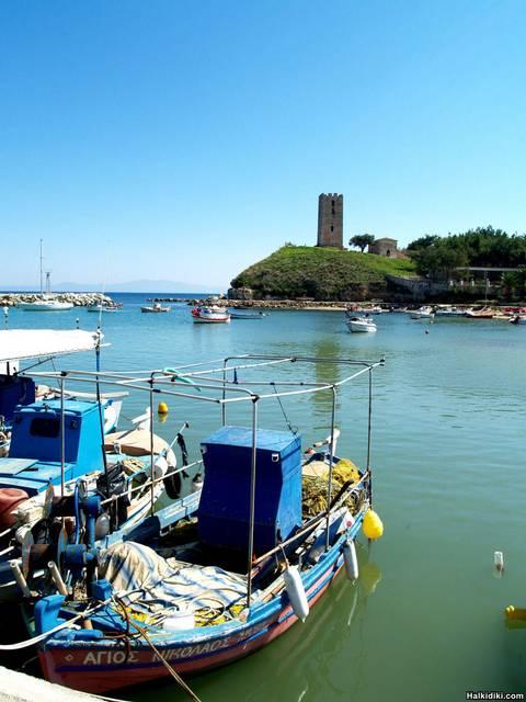 Harbour_N_Fokea_2