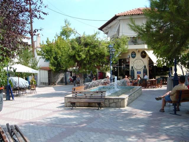 Pefkohori_Old_Village_Square