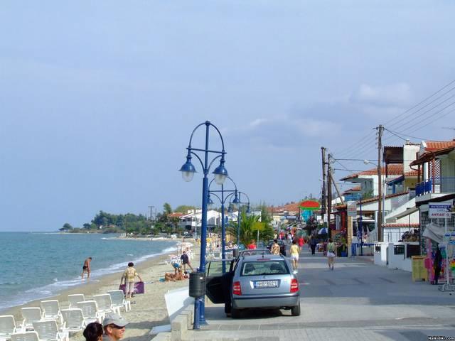 Polichrono_-_beach