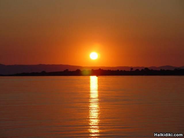 vourvourou-sunrise
