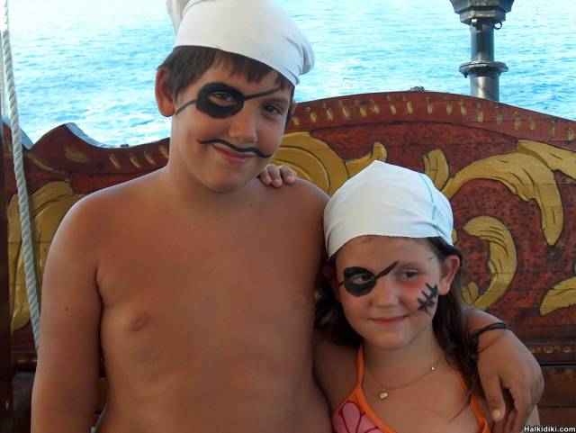 MARINA & LOUKAS: THE YOUNGESTS PIRATES!!