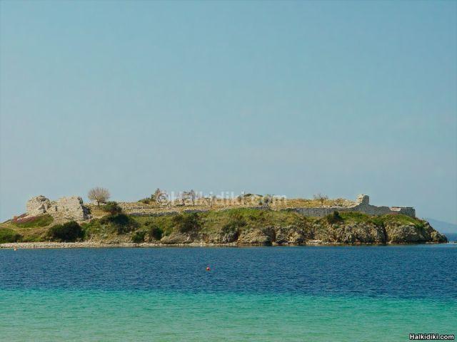 Toroni Beach Castle