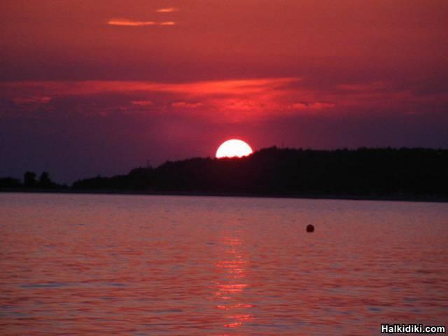 toroni_red_sunset