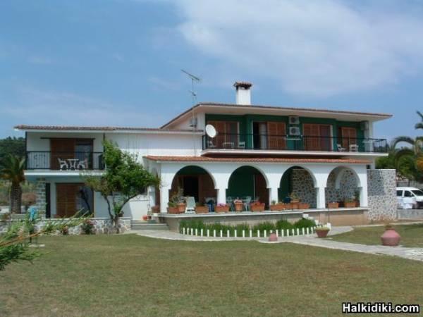 The Villa Zorbas in Neo Skioni