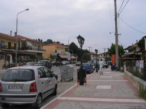 Kriopigi main road, July 8 2006